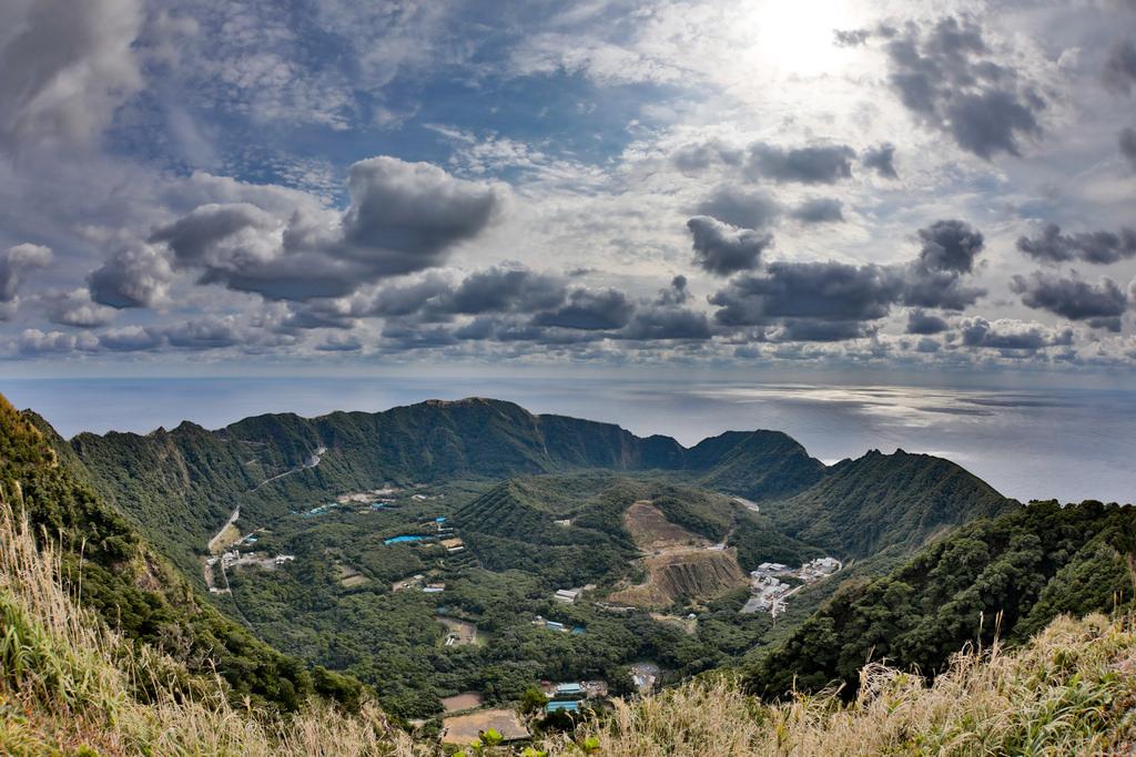 【予告】東京都最後の秘境「青ヶ島」上陸できるだけでも奇跡 ...
